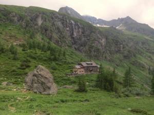 ...liegt im Tal die Hütte...